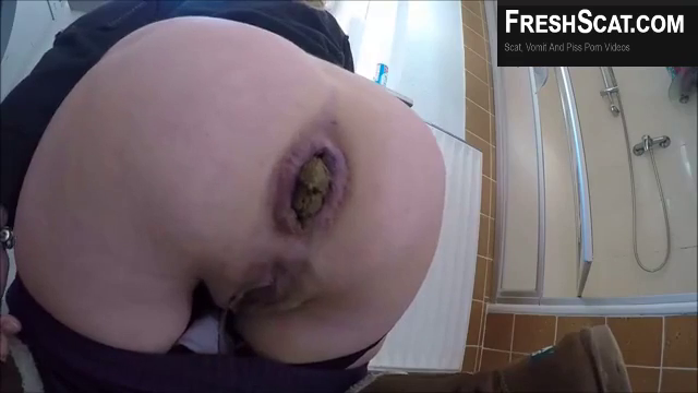 Girl With Wrecked Asshole Takes Massive Dump On Live Webcam