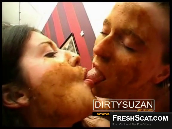 Real Scat Lesbians Make Out And Suck Each Others Tongues On Live Scat Cam