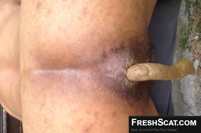 Hairy Brown Girl Takes A Wicked Dump On Live Scat Cam For Us