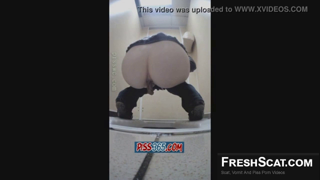 Girl With Round Ass Shits On Webcam As She Squats Over Toilet