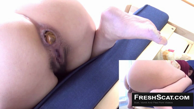 Hot Thick Japanese Girl Takes A Dump On Live Scat Cam From Two Different Angles