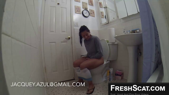 Hot Girl Taking An Amazing Poop On Webcam For Us